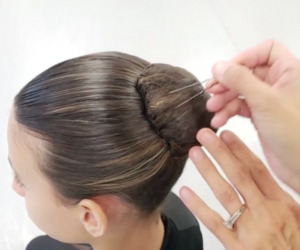 Hair Tutorial: Classical Bun